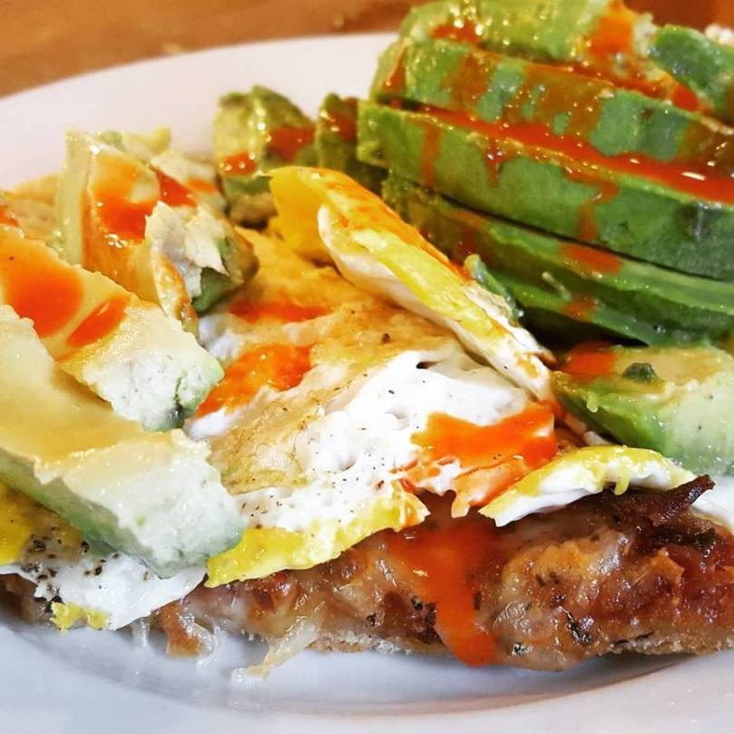 BaconPizza_FriedEgg_Avocado_HotSauce